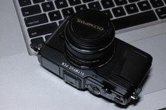 Olympus_Pen_E-P5unboxing12262014dp3m02s.jpg