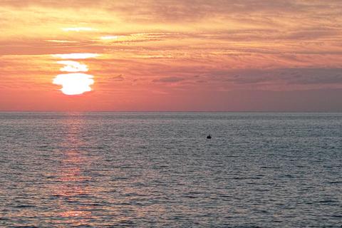Sunset09282012dp2m_trim01.jpg